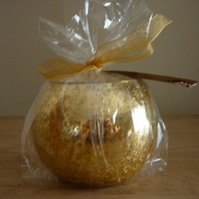 ENGLISH LAVENDER & DEAD SEA MINERALS - SOY CANDLE - GOLD CRACKLE CANDLE HOLDER.