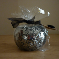 SWEET KISSES - SCENTED SOY CANDLE - BLACK MOSAIC GLASS CANDLE HOLDER.