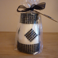 VANILLA ANISE - SCENTED SOY CANDLE - RECYCLED BLACK RHINESTONE JAR.