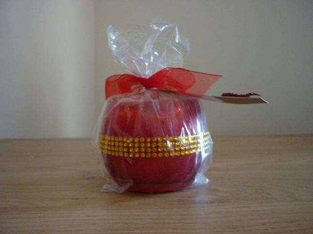 FRUIT CRUSH - SCENTED SOY CANDLE - CRACKLE RED AND GOLD GLASS CANDLE HOLDER.