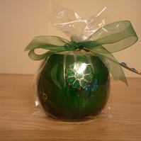 FAIRY DUST - SOY CANDLE - GREEN CRACKLE GLASS CONTAINER WITH FLOWER.