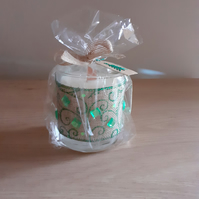APPLE & CINNAMON - SOY CANDLE - CHRISTMAS DECORATED CANDLE.