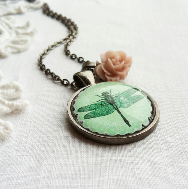 Vintage Style Green Dragonfly Necklace With Rose Charm