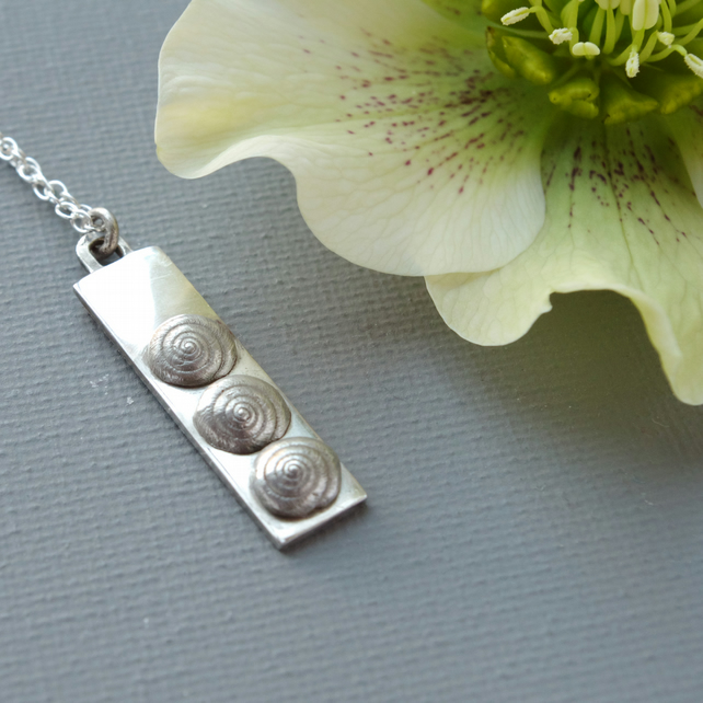 Sterling Silver Pendant With Three Silver Shells: Three Children New Triplets