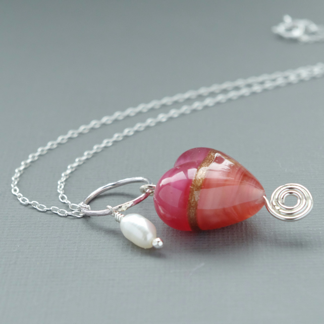Rose Pink Murano Heart and Freshwater Pearl Necklace Mounted in Sterling Silver