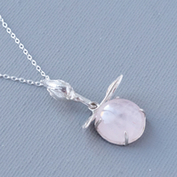 Sterling Silver Rose Quartz Claw Set Pendant Cast Rosebud Hand Carved Leaves