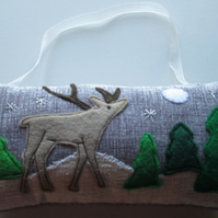 Reindeer Scene Hanging Decoration (2)
