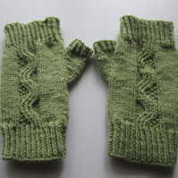 Green Cable Fingerless Mitts