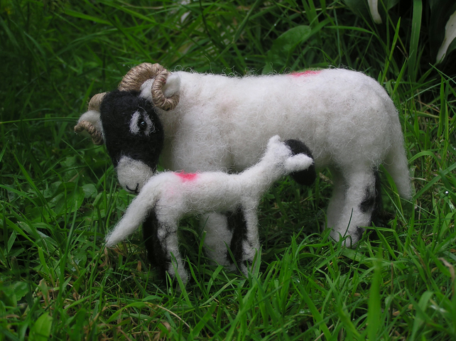 Swaledale ewe and lamb - handmade needle-felted sheep