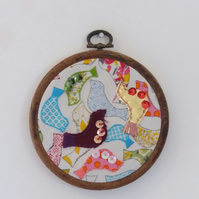 Embroidered bird hoop 4 inches