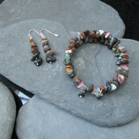 Fancy Agate memory wire bracelet and earrings set