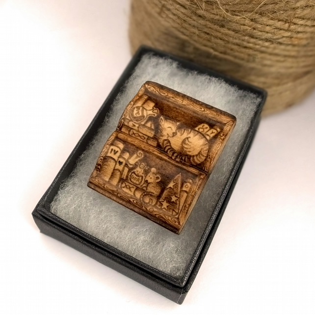 Wooden pyrography book shaped bookshelf brooch with cat and mouse.