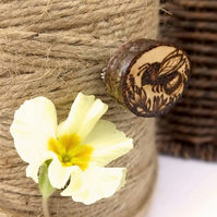 Busy bee, wooden tree slice pyrography brooch. Rustic branch pin.