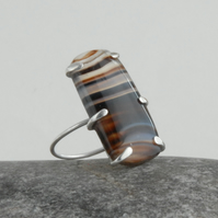 Sterling silver and banded agate ring (black, brown, white)