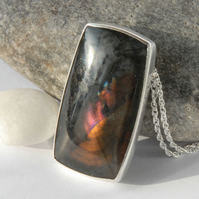 Sterling silver and spectrolite pendant