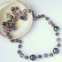 Purple black pearl and amethyst beaded necklace