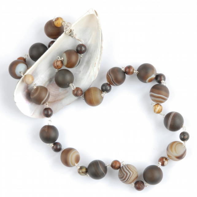 Frosted banded agate beaded necklace
