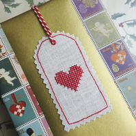 Classic Heart Linen Gift Tag
