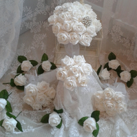 WEDDING FLOWERS WHITE ROSES 1 BRIDES POSY 3 BRIDESMAIDS POSIES 10 BUTTONHOLES