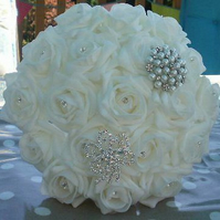WEDDING BOUQUET BRIDES POSY ARTIFICIAL  WHITE  ROSES VINTAGE BROOCH