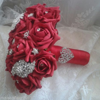 WEDDING BOUQUET BRIDES POSY ARTIFICIAL RED REAL TOUCH ROSES VINTAGE BROOCHES