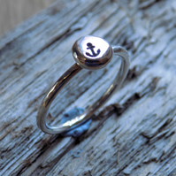 Sterling silver stamped 'anchor' skinny ring UK K