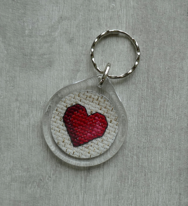 Red Cross Stitch Heart - Round Keyring
