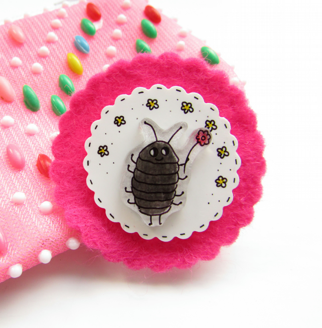 brooch - winnie the woodlouse
