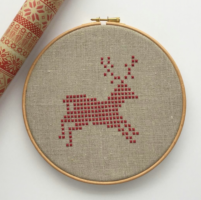 Running Deer Christmas embroidery pattern, DIY Christmas, PDF printable pattern