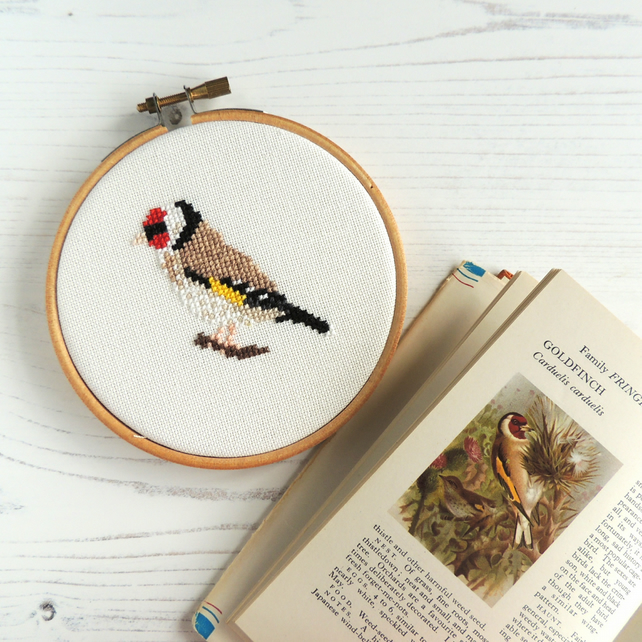 Cross stitch bird pattern - Goldfinch - PDF printable - cross stitch chart