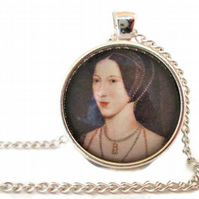 Queen Anne Boleyn Tudor pendant and necklace