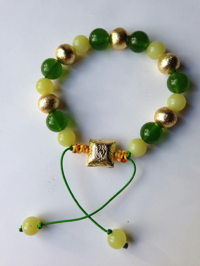 Jade beads bracelet  Draw string gold green bracelet