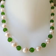 Pearl necklace, Pearl jade necklace, Gift for her, Gift for mum