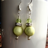 Green glass pearls earrings