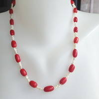 Rice pearl coral necklace