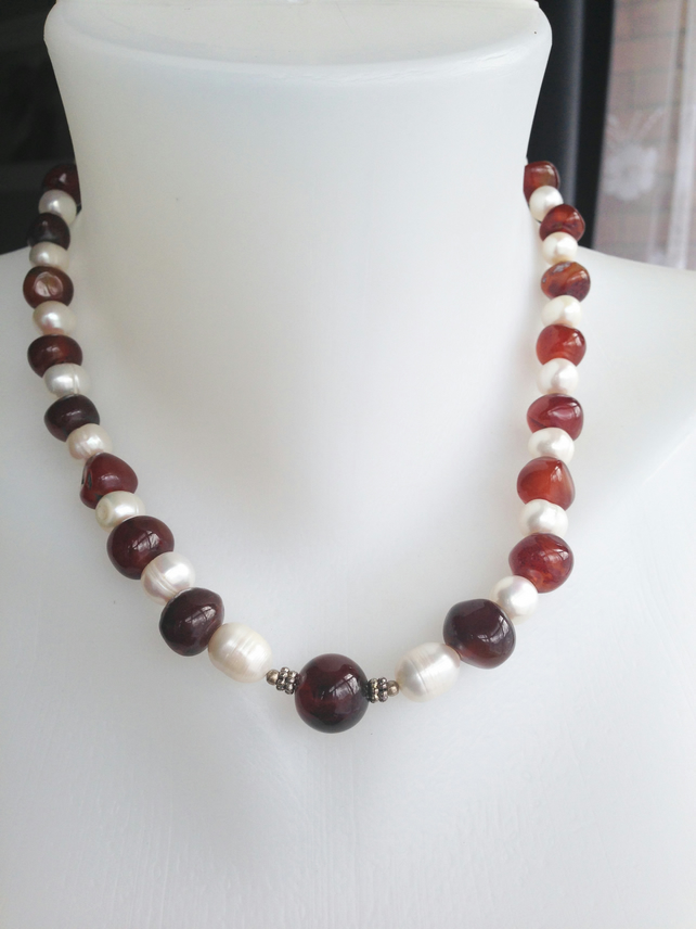 Pearl carnelian necklace