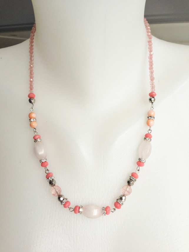Shades of pink Necklace