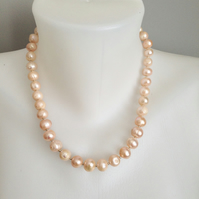 Rose pink freshwater perl necklace
