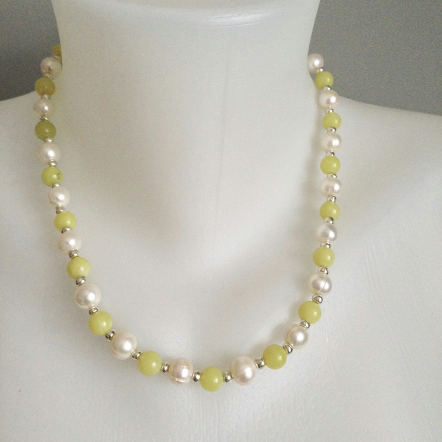 Freshwater ringed pearl necklace  Jade pearl necklace