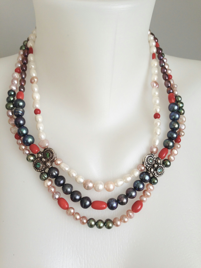 Statement necklace  Freshwater pearl necklace  Layered necklace