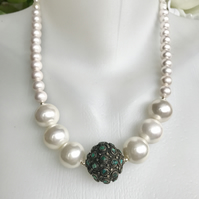 Statement Necklace,  Chunky Pearl necklace, Shell Pearl necklace