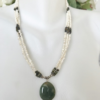 Jade pendant necklace, Rice-pearl necklace, Jade pearl necklace
