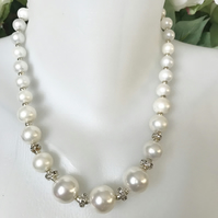 Shell pearl necklace,Statement necklace,Chunky Pearl necklace, Bridal necklace