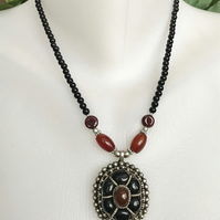 Garnet pendant, Garnet necklace, Pendant Necklace, Beaded necklace