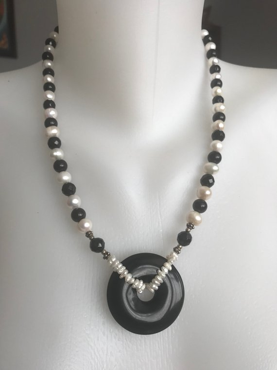 Onyx pendant necklace, Statement necklace, Pearl necklace, Black and white