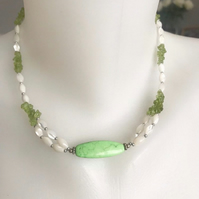 Beaded necklace, Peridot necklace, Mother of pearl necklace , Gift for her