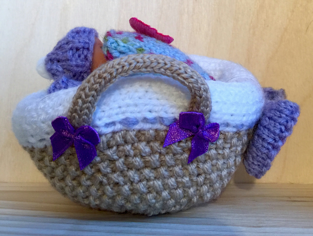Knitting Pattern For Dolls Moses Basket : Soft Bodied Hand Knitted Moses Basket (Dolls Ca... - Folksy