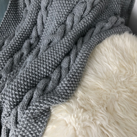 Seriously Chunky - Big Knit Cable Throw