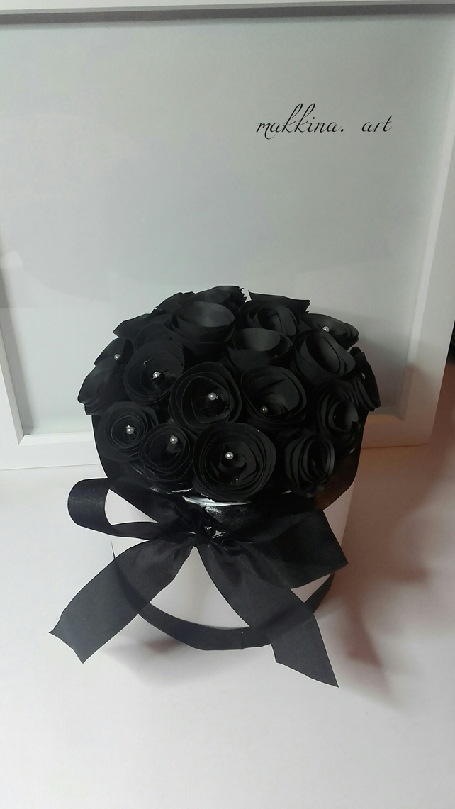 Paper bouquet of black roses