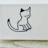 Mini Cat Canvas : Cat with black ear